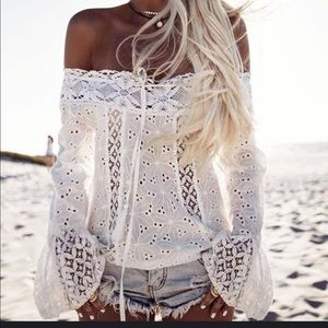 Gorgeous eyelet lace top.